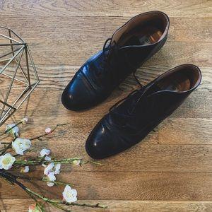 Vintage Etienne Aigner Leather Booties 8.5 NARROW